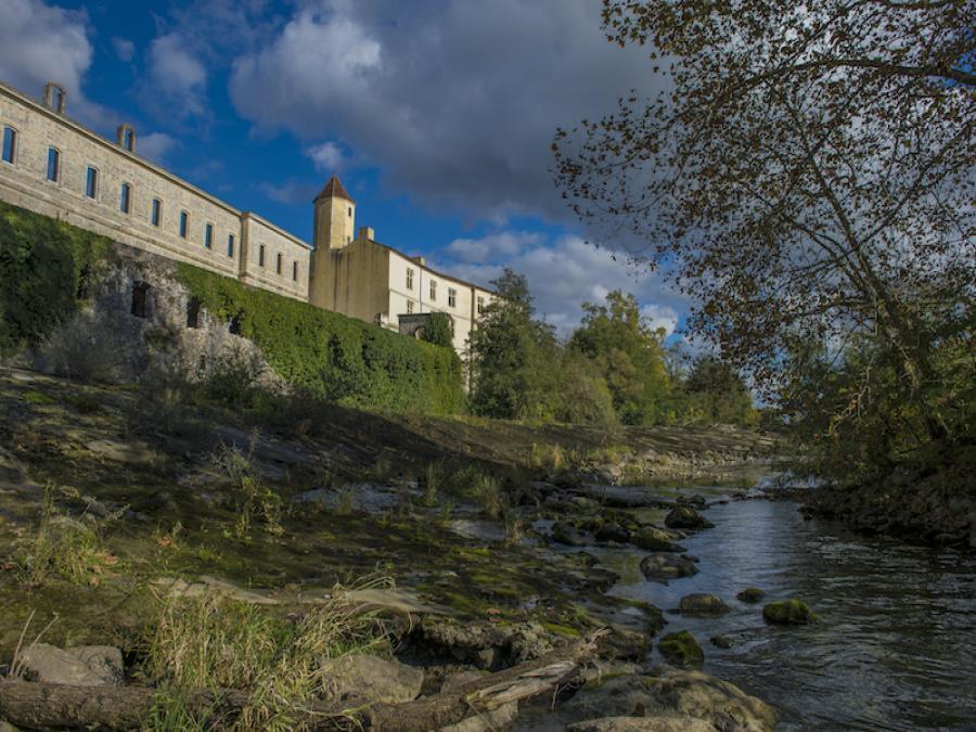 Abbaye Saint-Jean à Sorde-l'Abbaye (Landes)